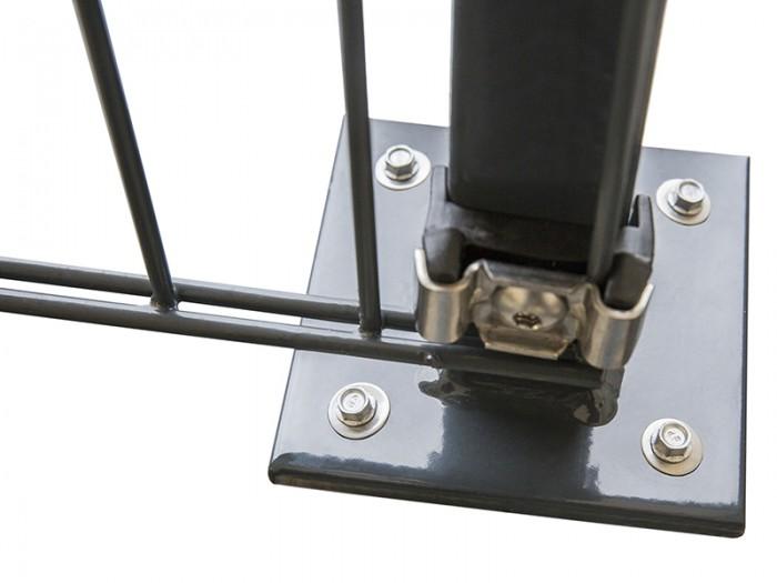 A2/K1 Zaunpfosten mit angeschweißter Fußplatte