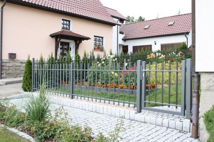 Stab-Diagonal Schmuckzaun